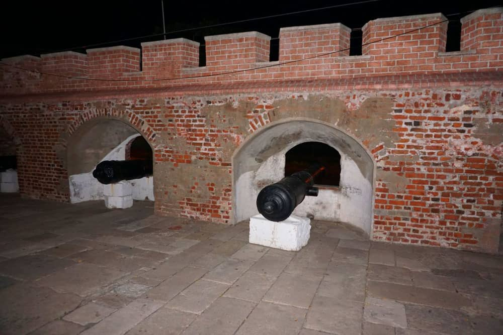 fort-charles-port-royal-cannons-jamaica-dreamsinheels.jpg