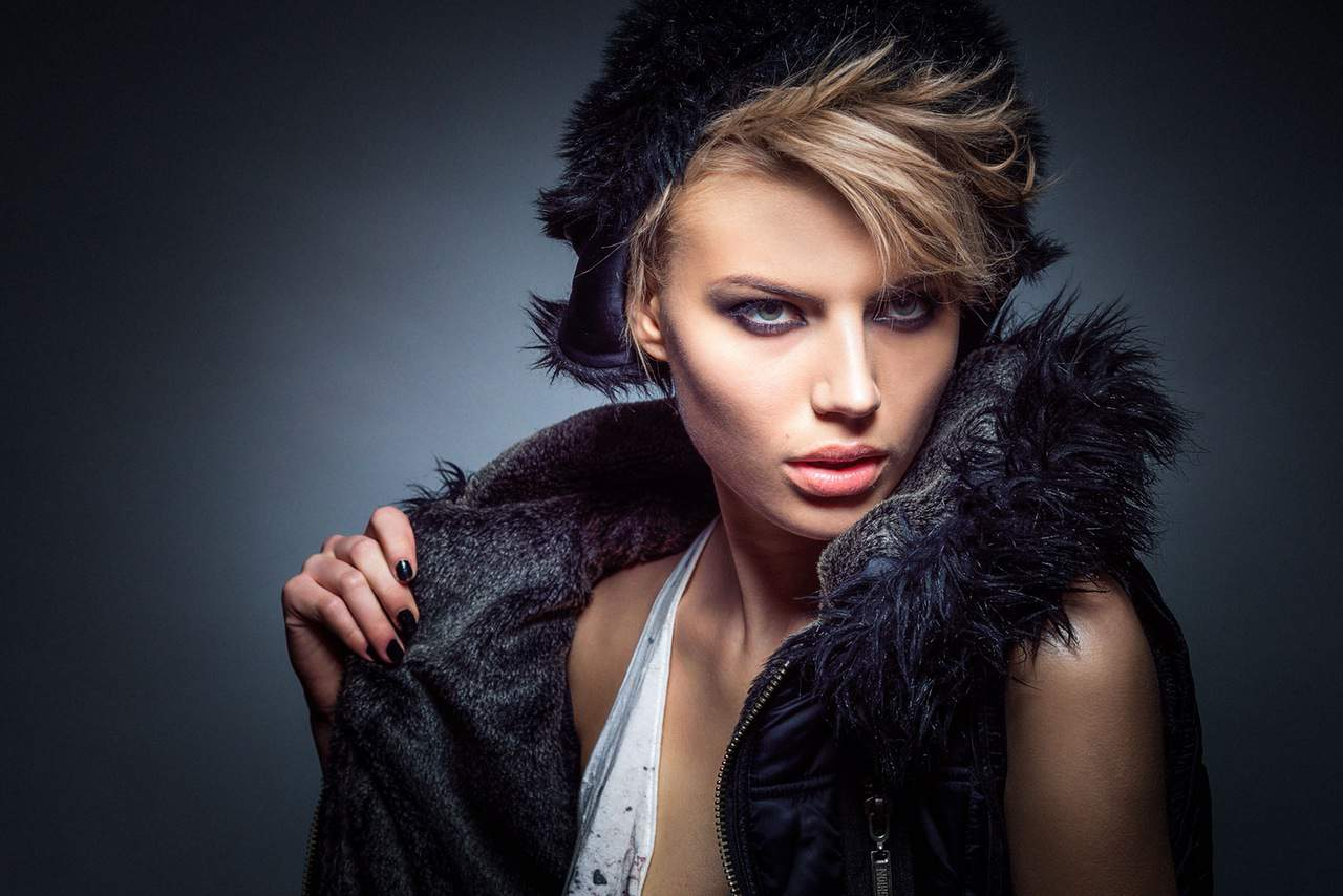 fashion-woman-model-portrait