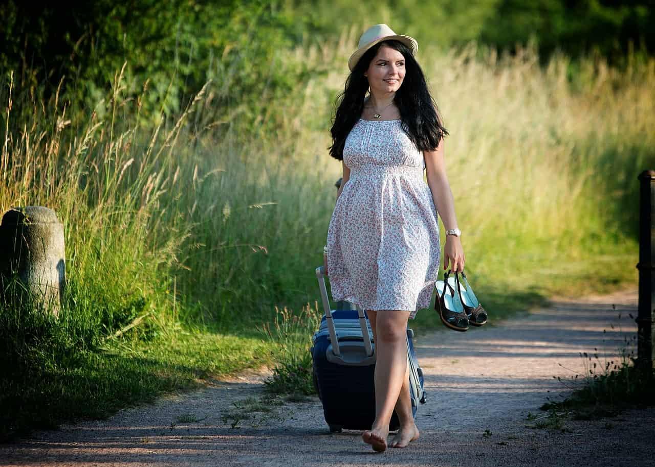 girl-traveler