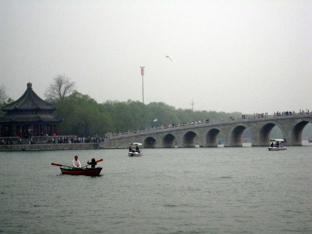 summer-palace-on-the-lake