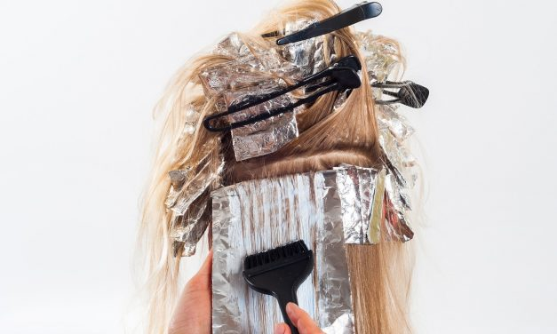 Thinking Of Dyeing Your Hair? Don't Do Anything Until You've Read These Tips!
