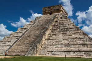 pyramid-chichen-itza-mexico