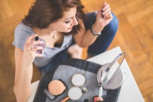 woman-girl-young-beauty-routine