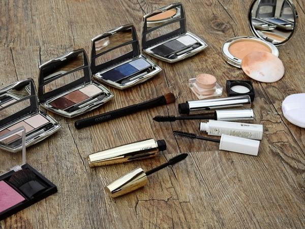 make-up bag - pocket palette travel make up