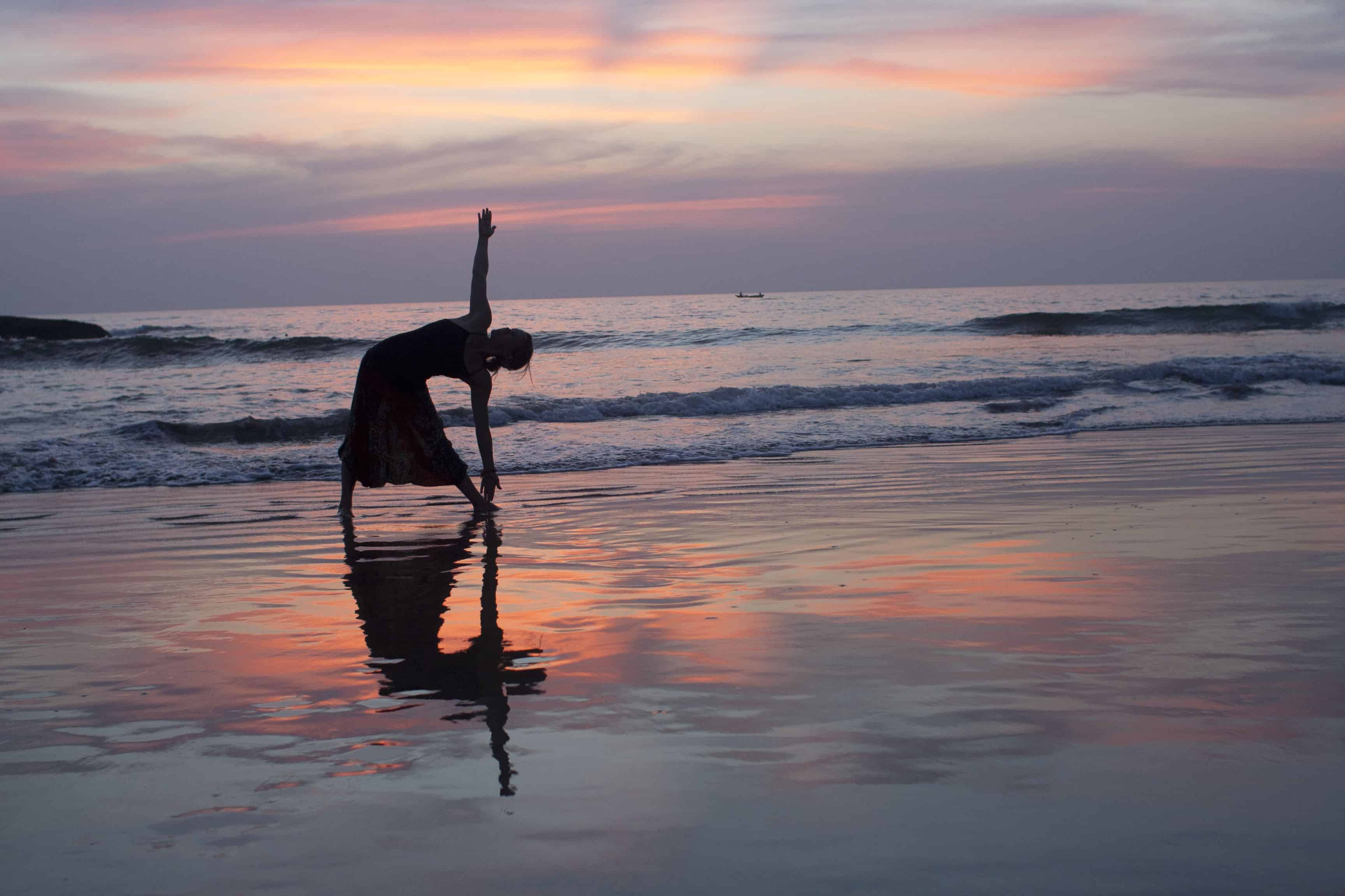 travel yoga - flexibility while traveling