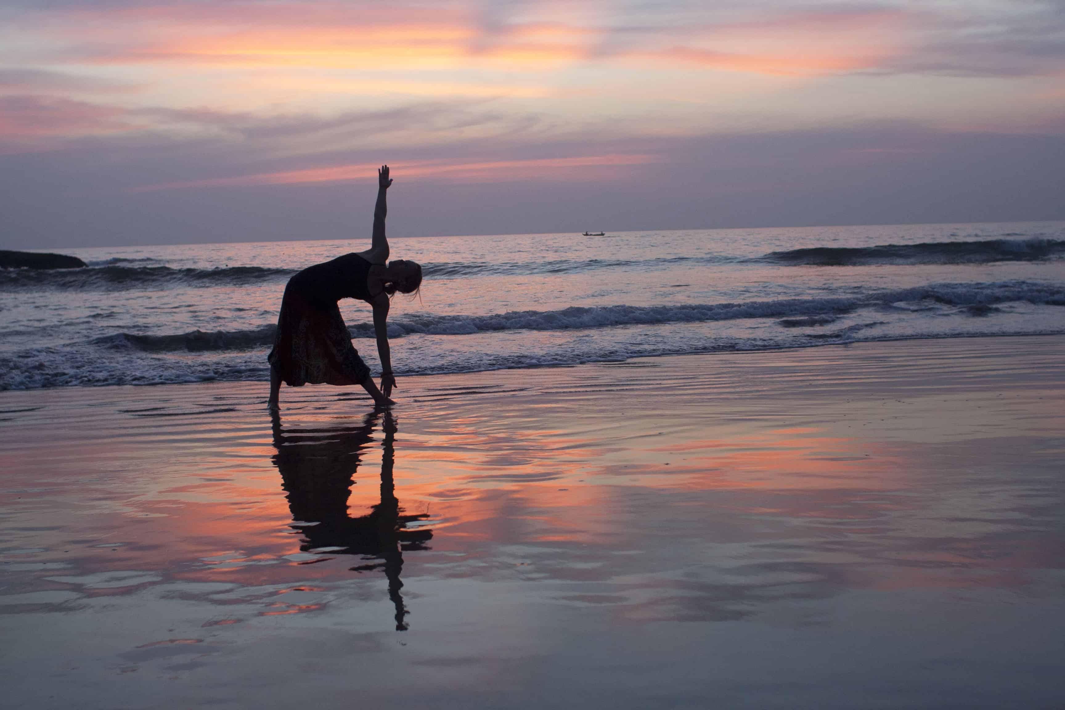 travel yoga - flexibility while traveling