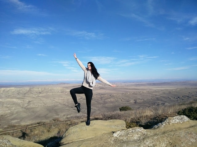 improve flexibility while traveling - travel tips
