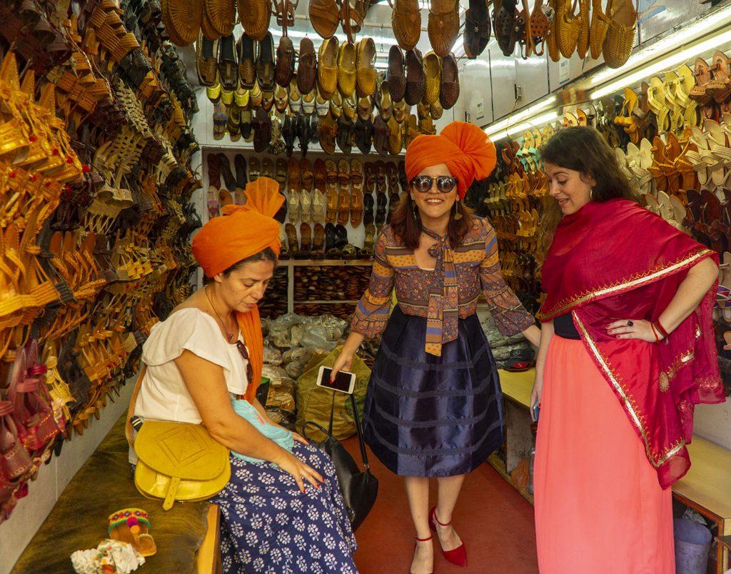 Kolhapur Shopping: Kolhapuri Shoes, Maharashtrian Traditional Sarees in Kolhapur City, Maharashtra India - Dreams in Heels