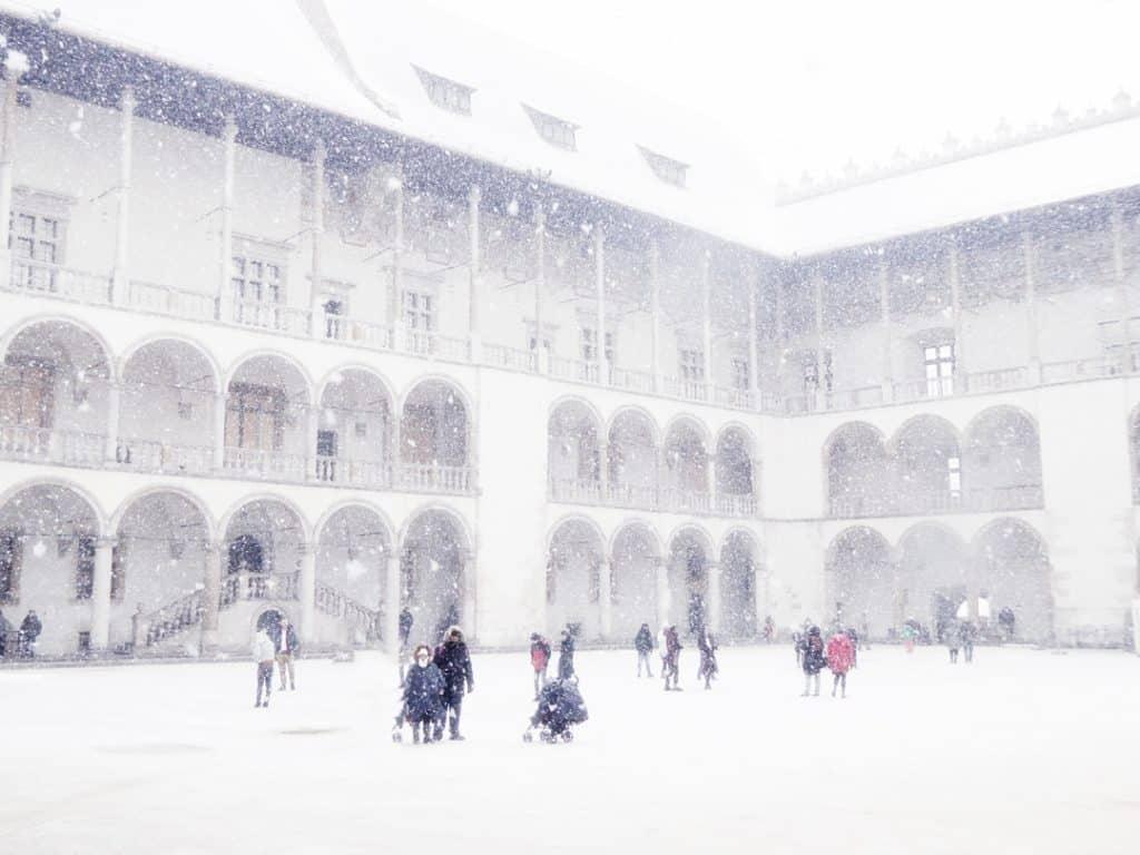 krakow-christmas-winter-poland-castle