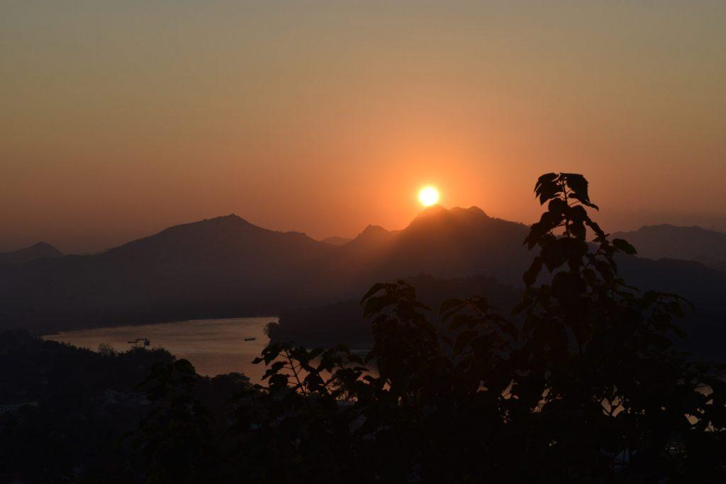 sunset-in-mount-phousi-luang-prabang-laos