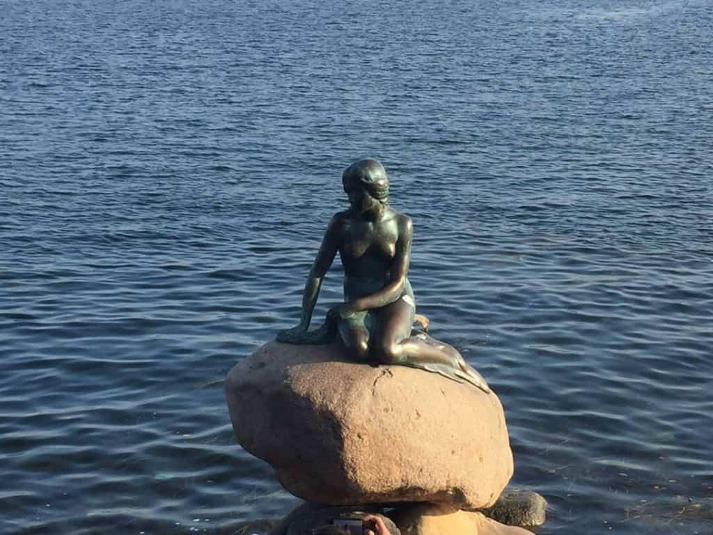 the_little_mermaid_copenhagen_denmark