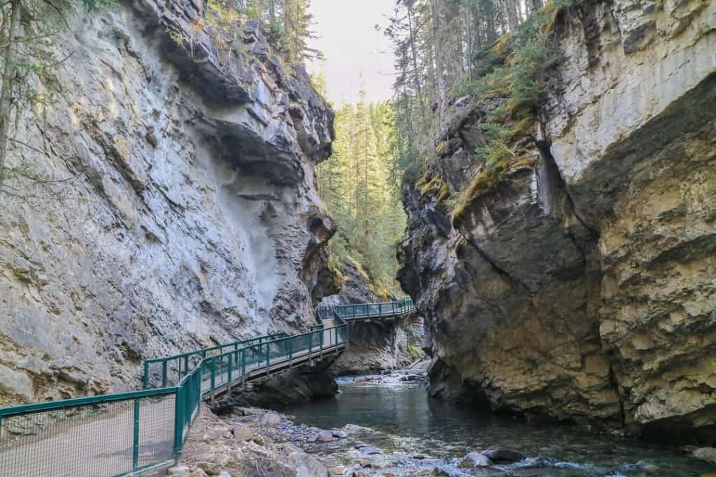 Johnston_Canyon_Banff_Canada