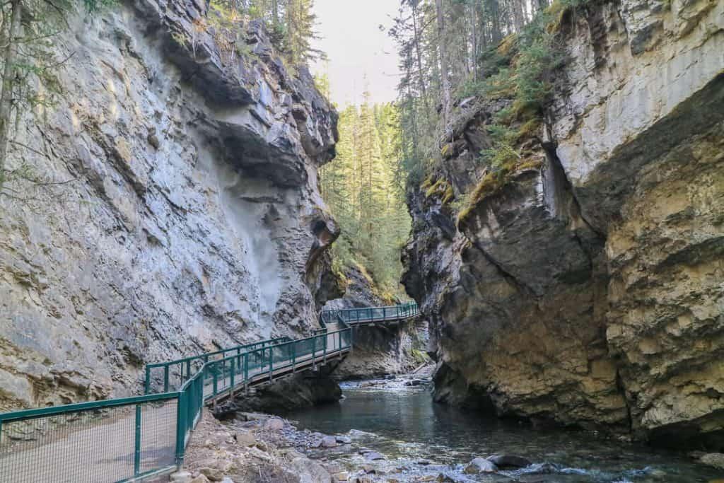 Johnston_Canyon_Banff_Canada