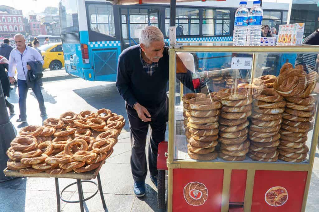 simit-turkish-style-bagel-traditional-turkish-cuisine