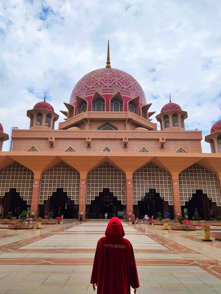Dreamsinheels-Putrajaya-Mosque-Pink-Mosque-Malaysia