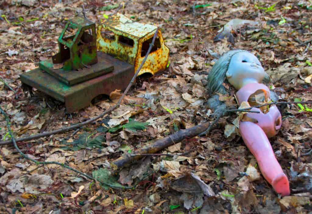 chernobyl today - staged creepy dolls - dreamsinheels
