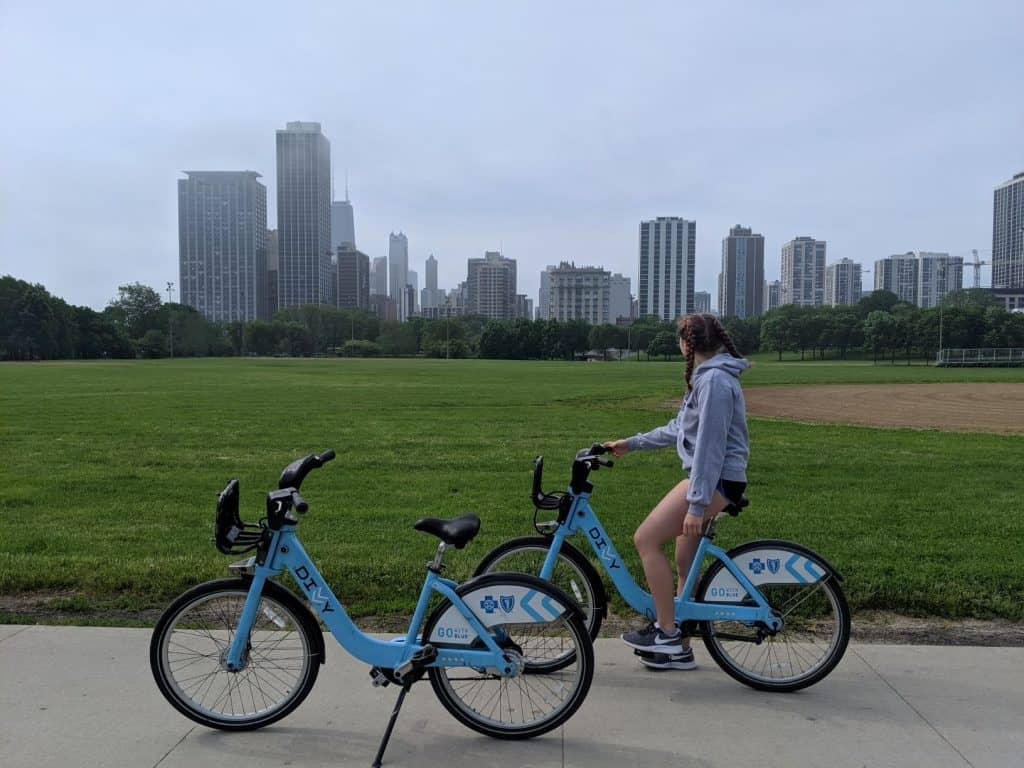 best-things-to-do-in-Chicago-Divvy-Bikes-USA