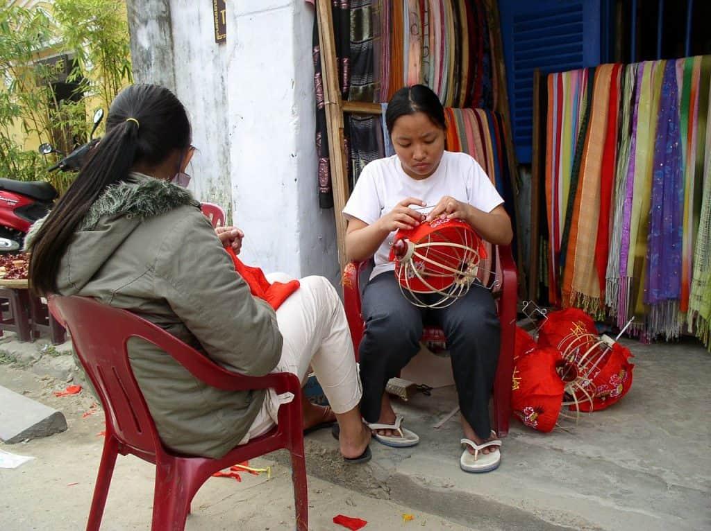 shop-small-vietnam-lanterns-hoi-an-vietnam-artisans-artists