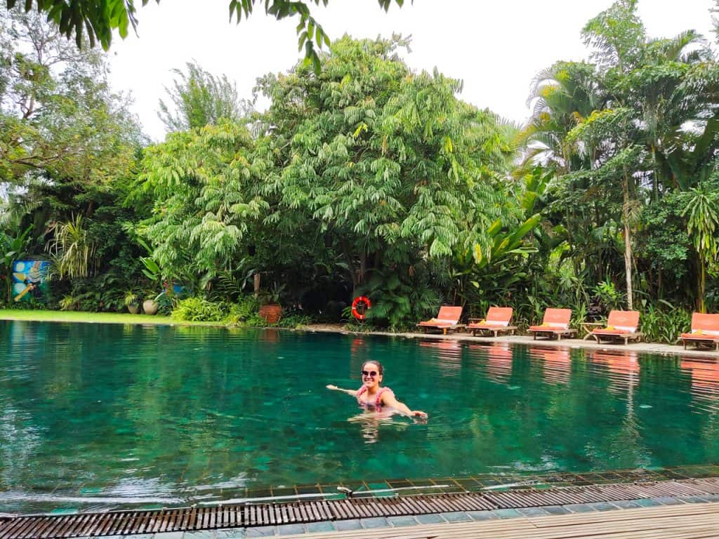 Belmond-hotel-pool-yangon-myanmar