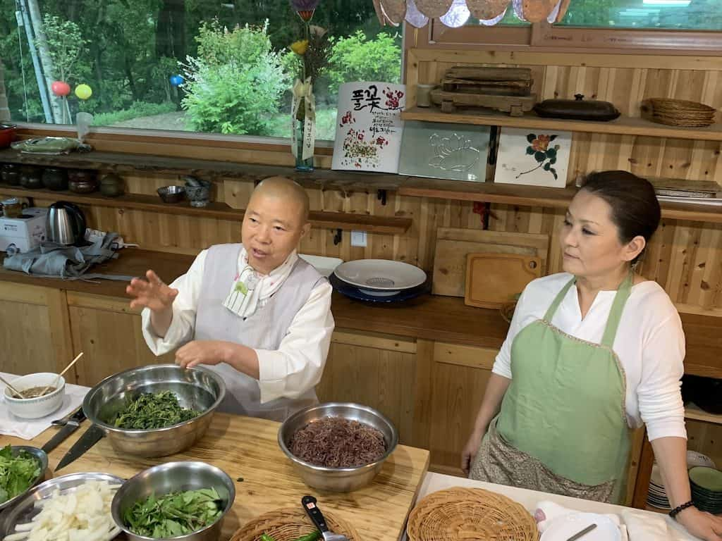 Korean-food-experience-Temple-cooking-class-south-korea