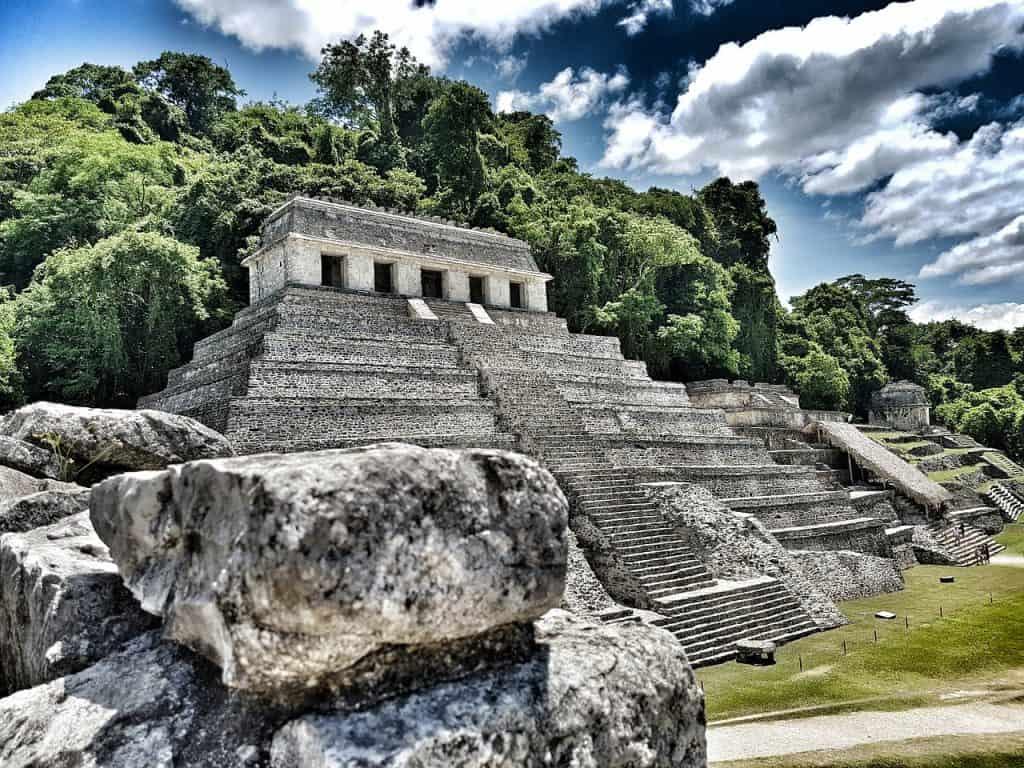 pyramid-palenque-chiapas-mexico