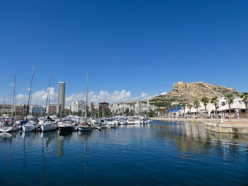alicante-autumn-spain-travel