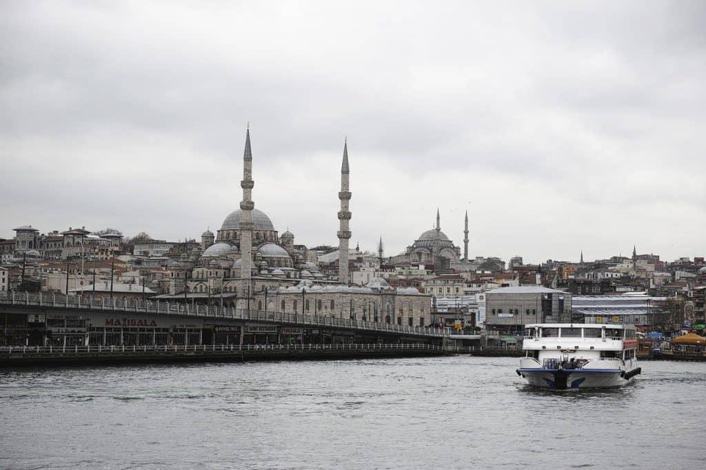galata-bridge-istanbul-turkey
