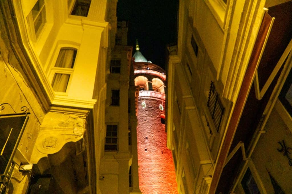 galata-tower-istanbul-travel-itinerary-dreamsinheels