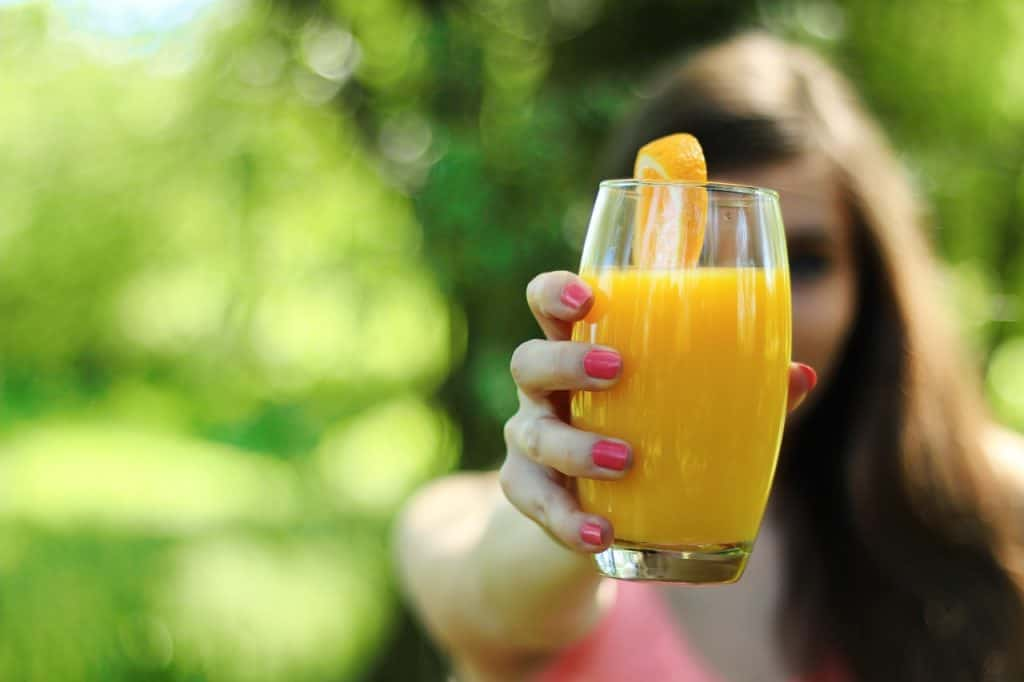 healthy juicing on the go - juicing while traveling