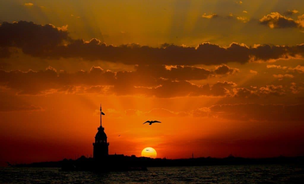 maidens-tower-kiz-kulesi-uzkudar-turkey