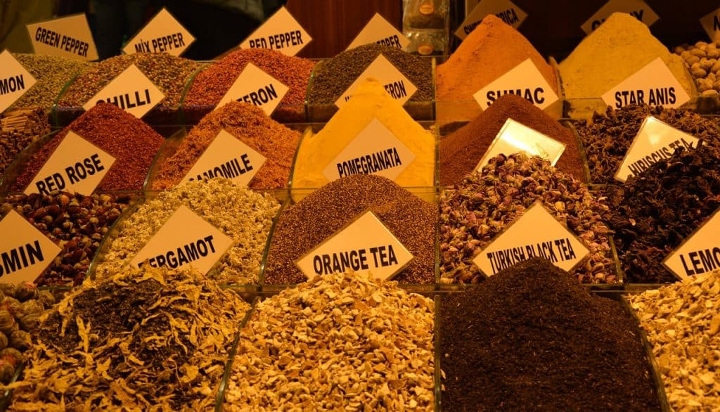 spice-bazaar-market-istanbul-turkey