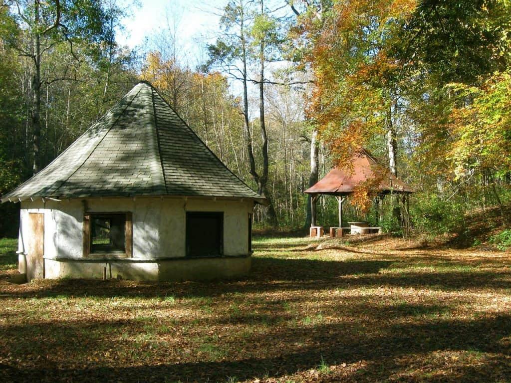 springhouse-south-carolina-autumn