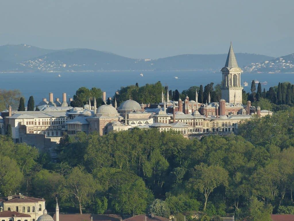 topkapi palace istanbul itinerary - turkey travel