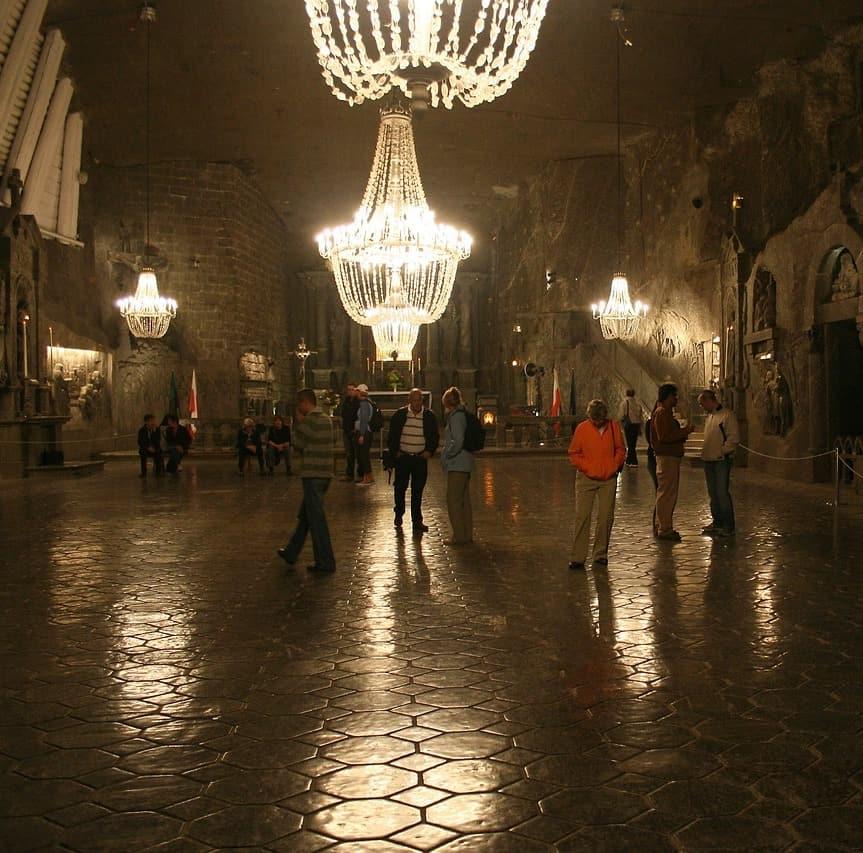 wieliczka-salt-mine-chandelier