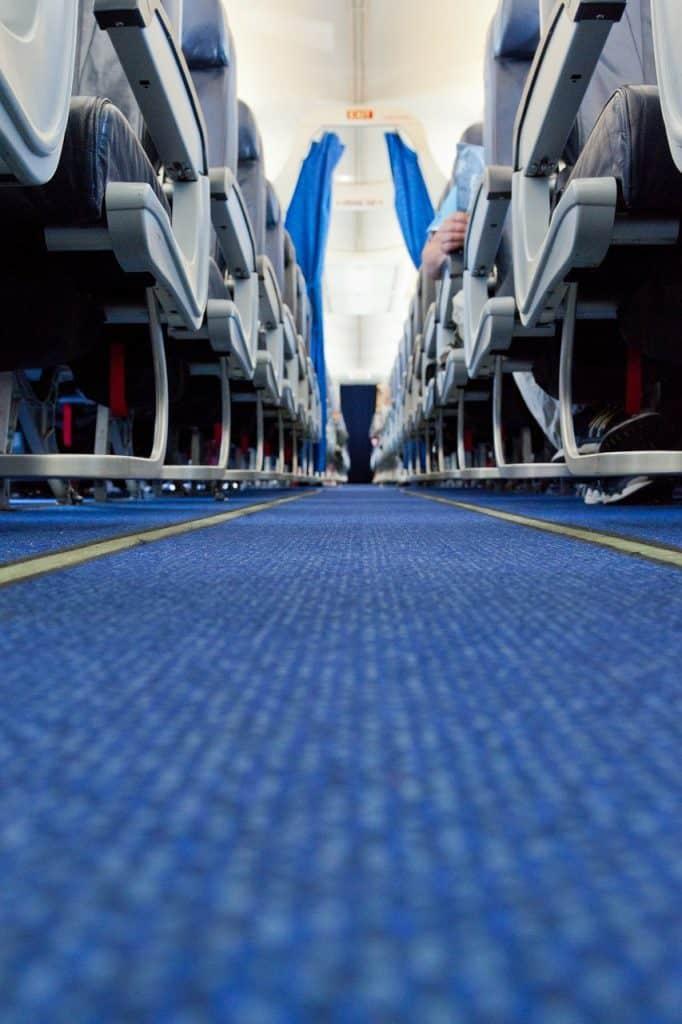 airplane-aisle-long-haul-flight-tips