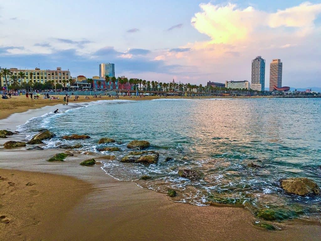 barcelona-beach-port