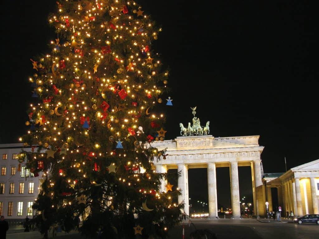 berlin-during-christmas-brandenburg-gate
