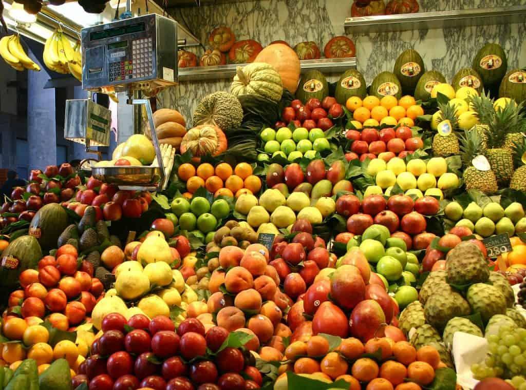 la-boqueria-market-fruits