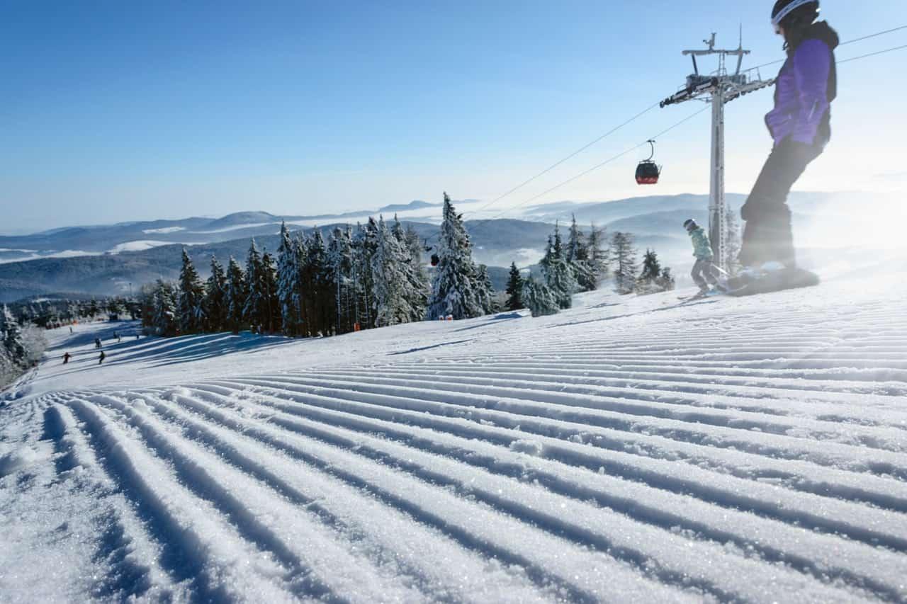 active-sports-adventure-ski-travel