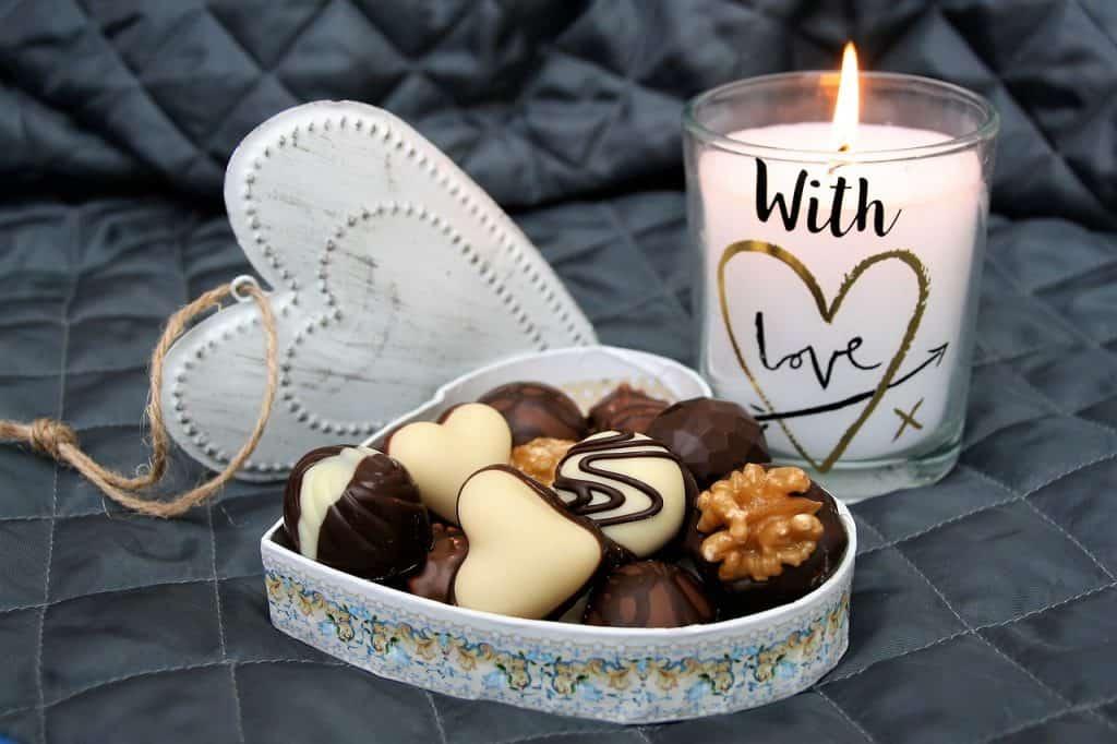 date-night-candlelight-chocolate